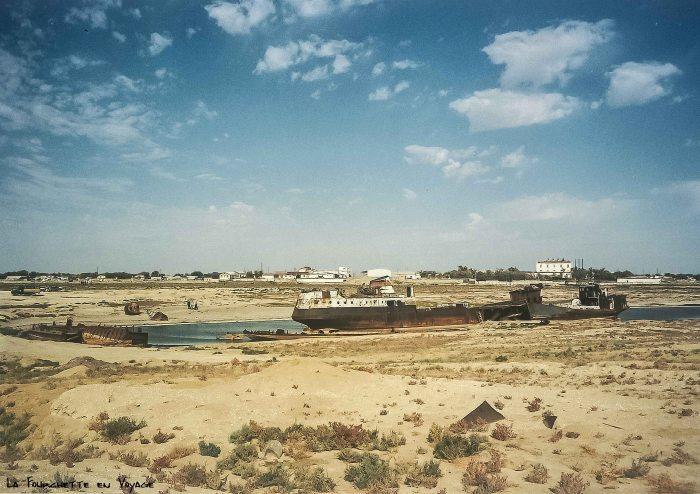 Bateau abandonné Mer d'Aral 1