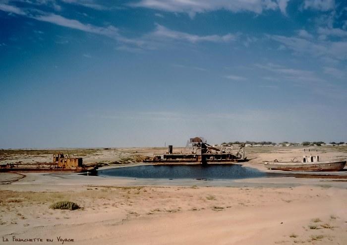 Bateaux abandonnés Mer d'Aral 3