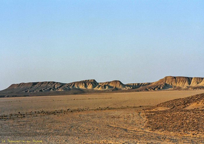Rivage vide  de Mer d'Aral 1